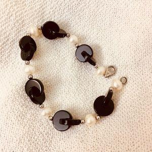 3 for $19 ❤️❤️ Pearl x onyx bracelet macys